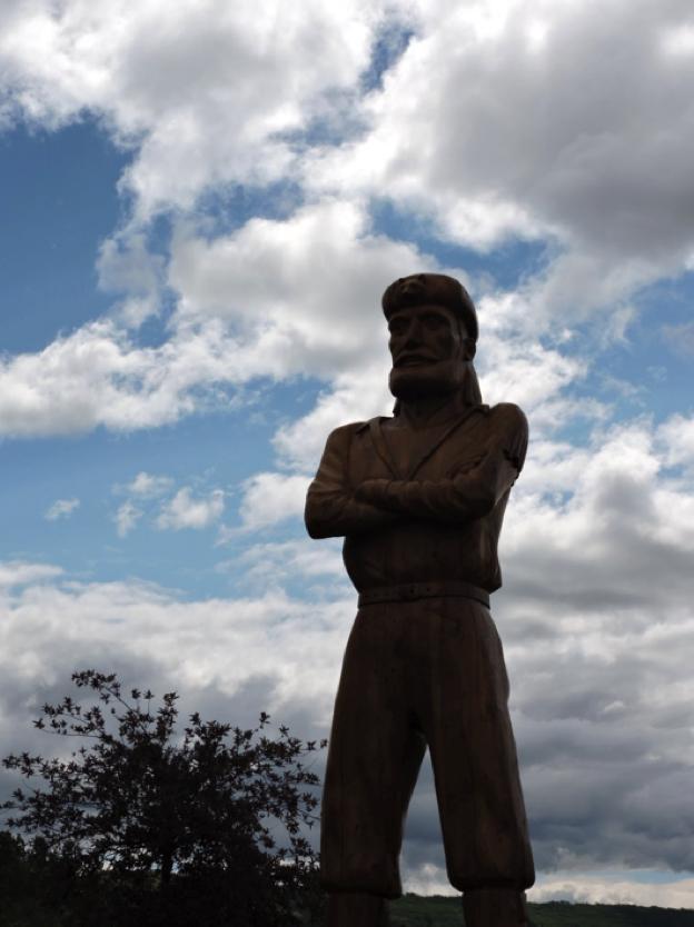 statue of man
