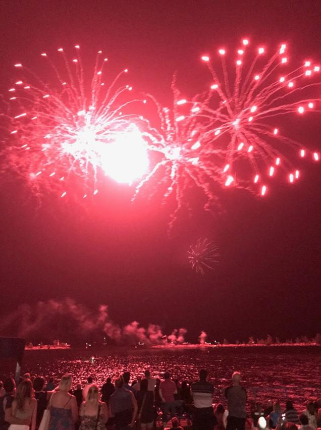 Les feux d'artifice de la Traversée Internationale du Lac Saint-Jean