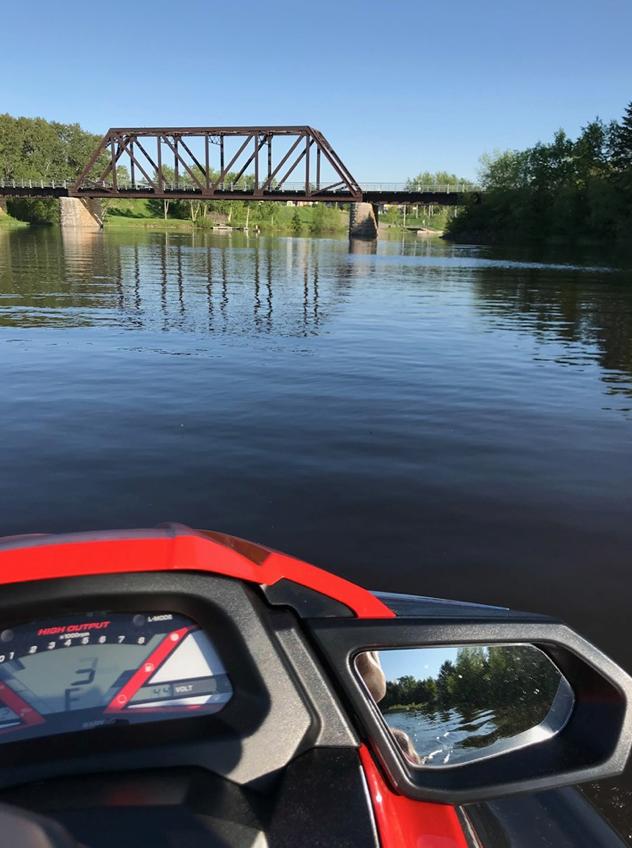 jetski dans le lac